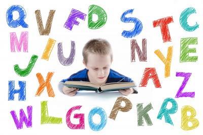 Nauka literek przez zabawę: jakie gry utrwalają litery i wspomagają uczenie się?