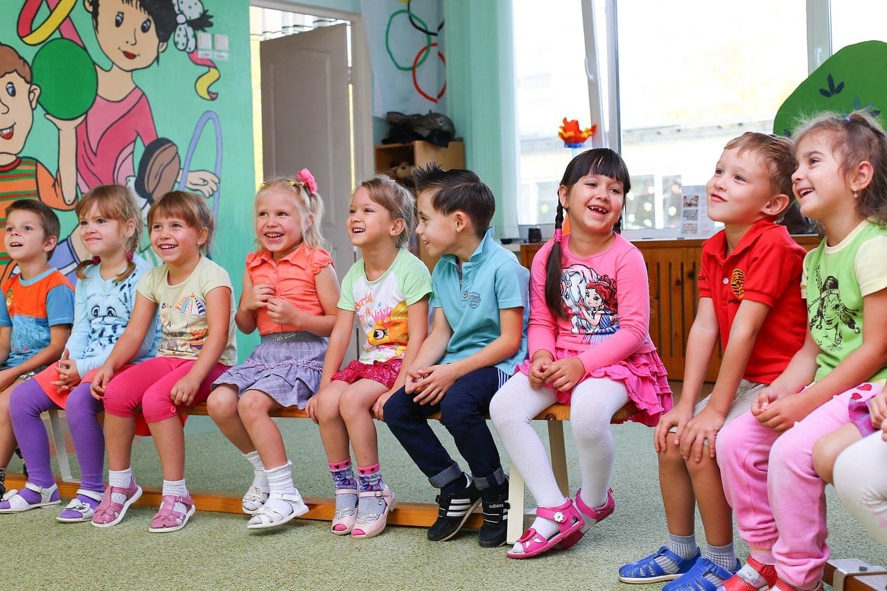 Upominki dla dzieci w przedszkolu: pomysły na prezenty – drobiazgi dla przedszkolaków