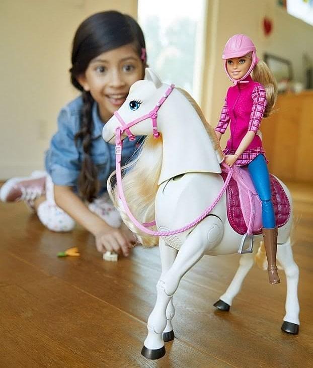 Lalka Barbie i tańczący koń Mattel zestaw FRV36