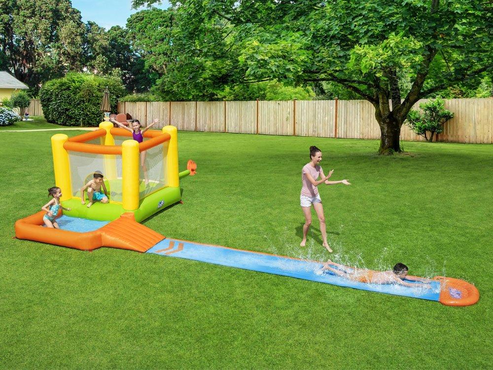 Wodny dmuchany plac zabaw dla dzieci ze zjeżdżalnią
