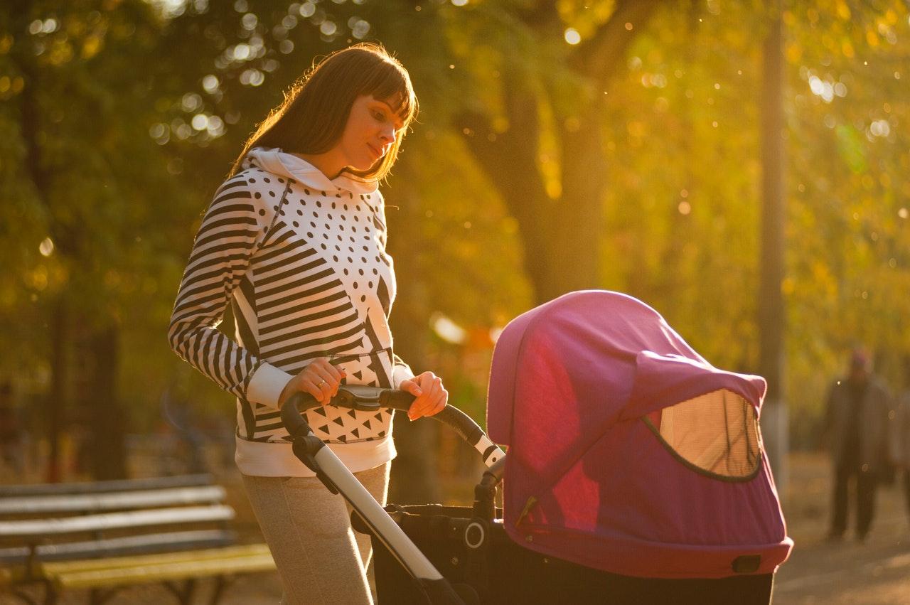 Werandowanie noworodka i pierwszy spacer: kiedy werandować dziecko?